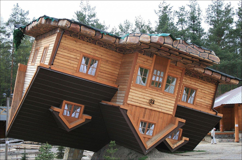 Szymbark dom do góry nogami