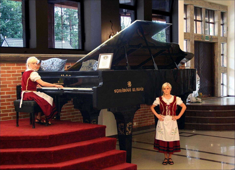 Szymbark największy koncertujący fortepian świata