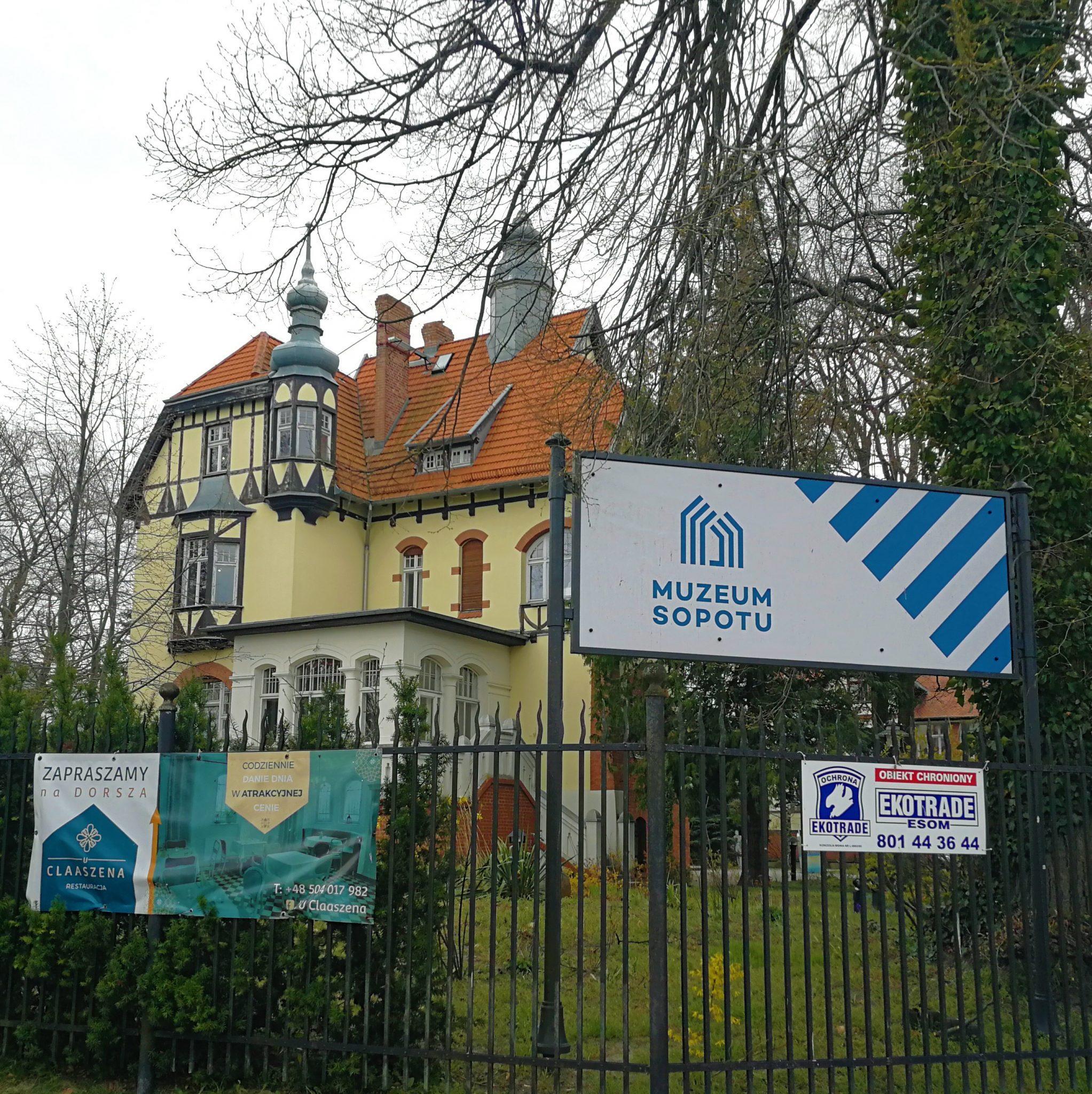 Eklektyczny-budynek-Muzeum-Sopotu-zdj.-Tour-Guide-Service-Gdansk