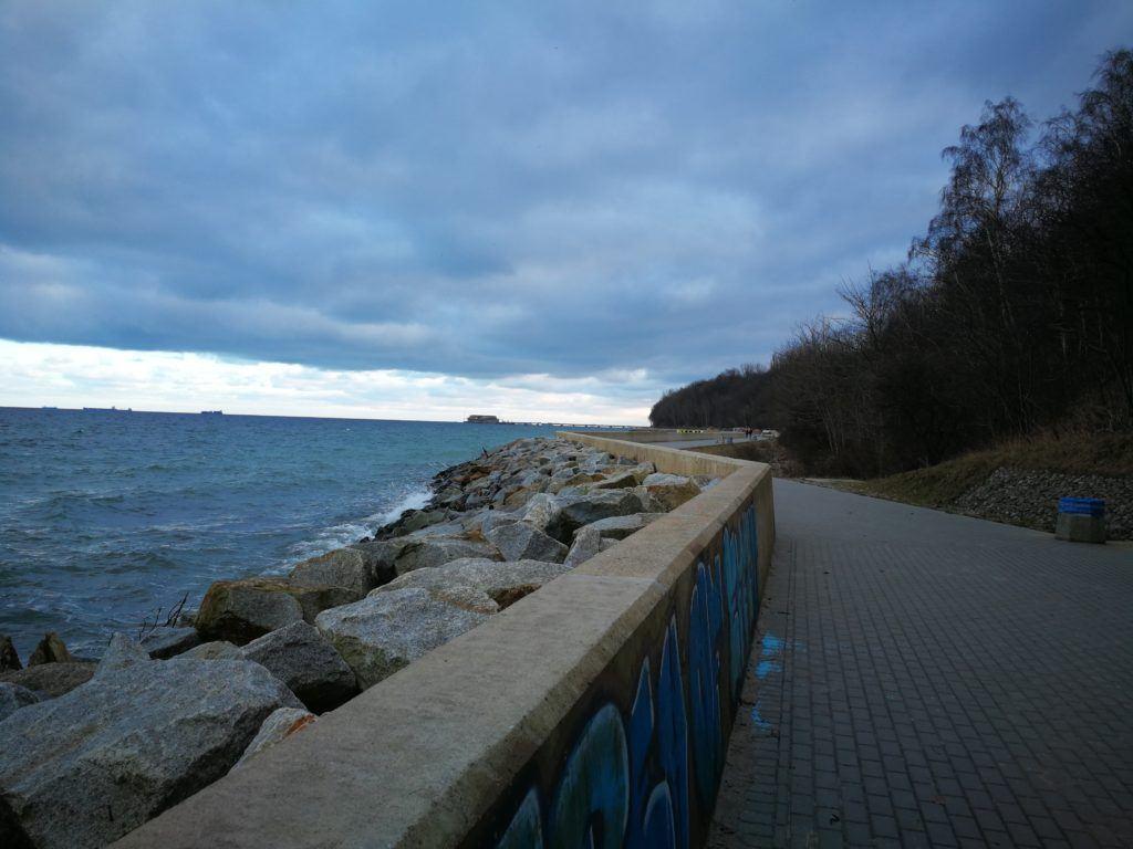 Bulwar-w-Gdyni-Oksywie