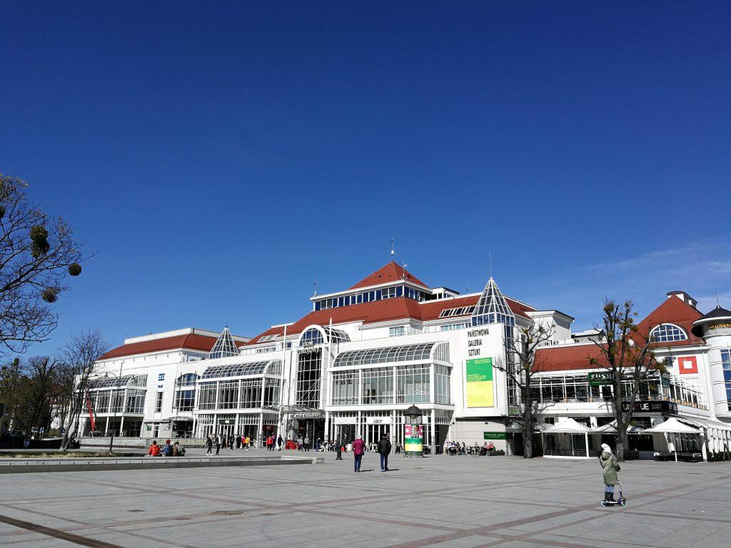 Państwowa-Galeria-Sztuki-Sopot-zdjęcie-Ania-Anna-Kotula-z-Tour-Guide-Service-Gdansk