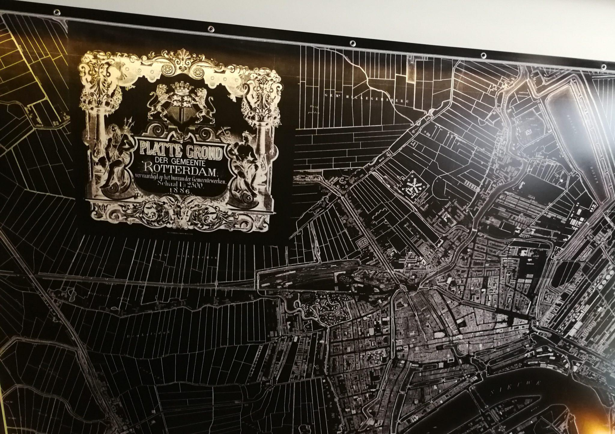 Mapa-Rotterdamu-z-1886-roku-w-Rotteram-Wine-Bar-Gdańsk
